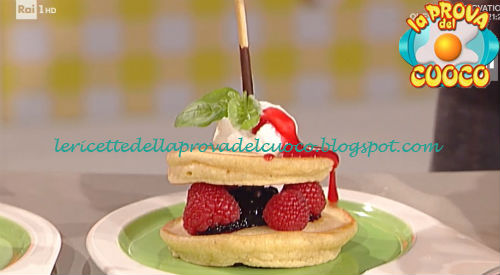 Pancakes espressi con lamponi e gelato ricetta Barzetti da Prova del Cuoco