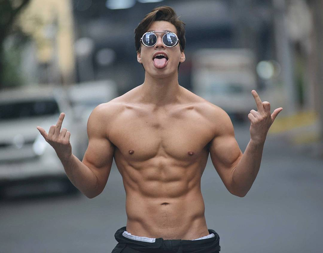 sexy-cocky-dudes-tongue-sunglasses-shirtless-fit-body