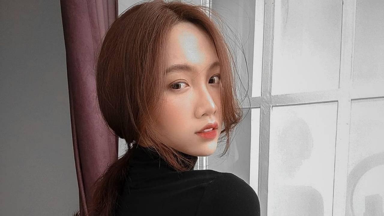Do Nhat Ha – Most Beautiful Transgender Fashion Black T Shirt Girl