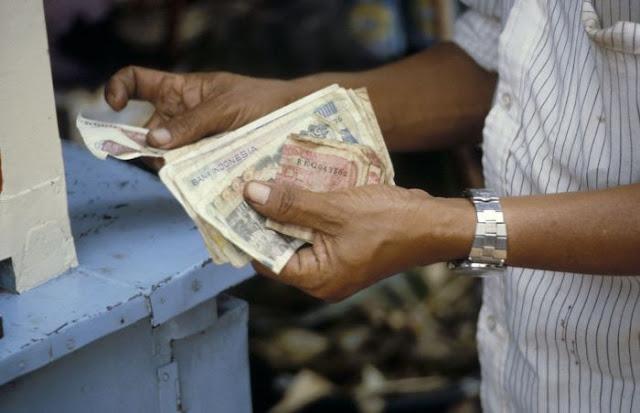 Lo Kheng Hong Sebut Taruh Uang di Bank Membuat Miskin Secara Perlahan.lelemuku.com.jpg