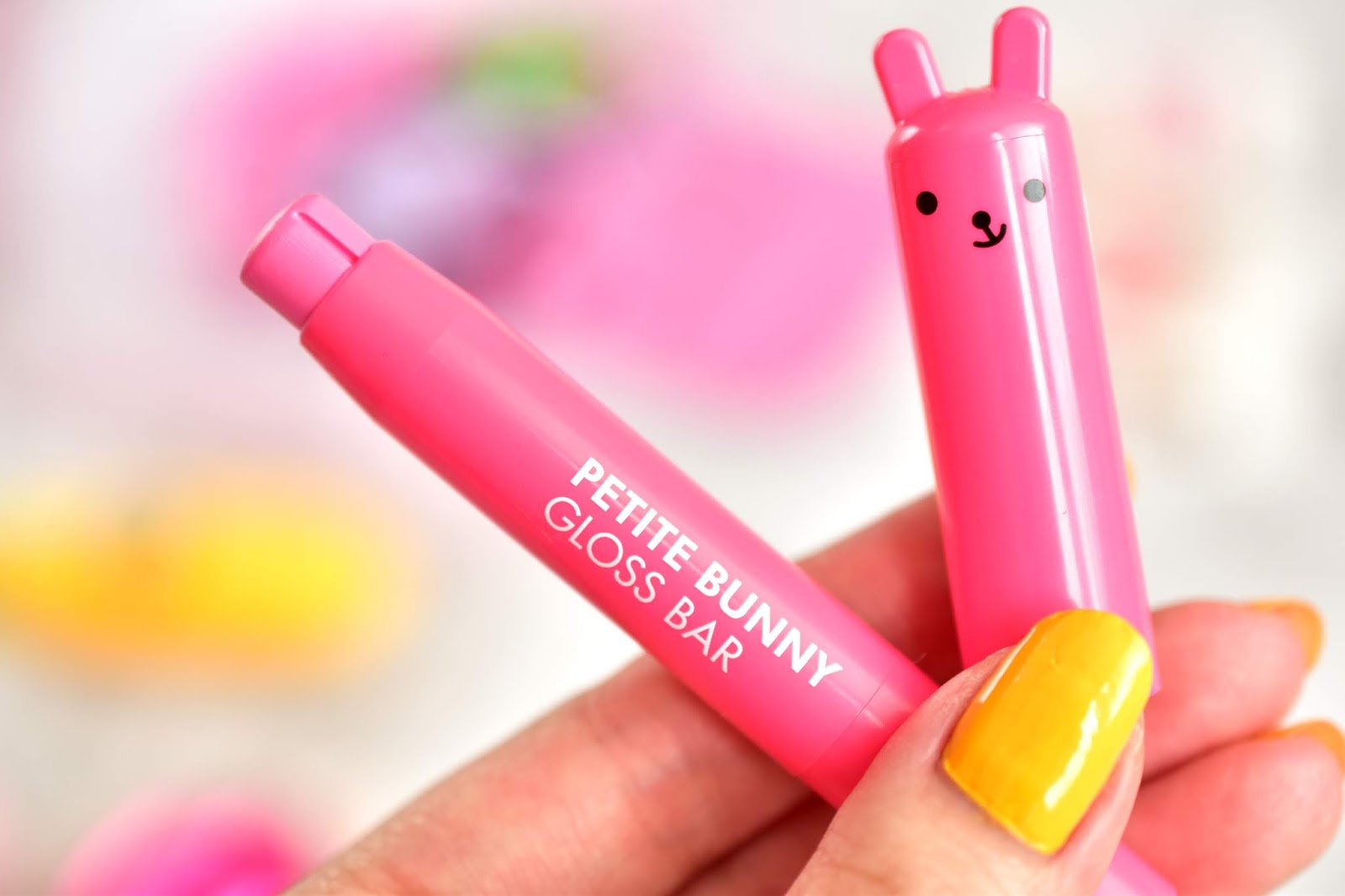 TONYMOLY Petite Bunny Gloss Bar Strawberry
