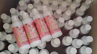 Feminine Wash Dara Wangi  -Menyah bau faraj -mengurangkan keputihan -mengekalkan kesegaran sepanjang hari -mengharumkan faraj -haruman lavender yang amat menenangkan -memberi keyakinan untuk bersama pasangan  Whtsapp 0134040411 utk pertanyaan atau order View instagram @aan_beautyshop