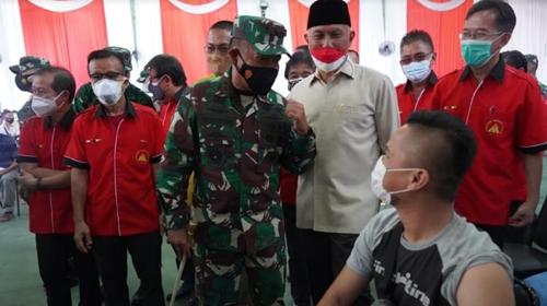 Pangdam I/BB Apresiasi Antusiasme Masyarakat kota Padang Ikuti Vaksinasi