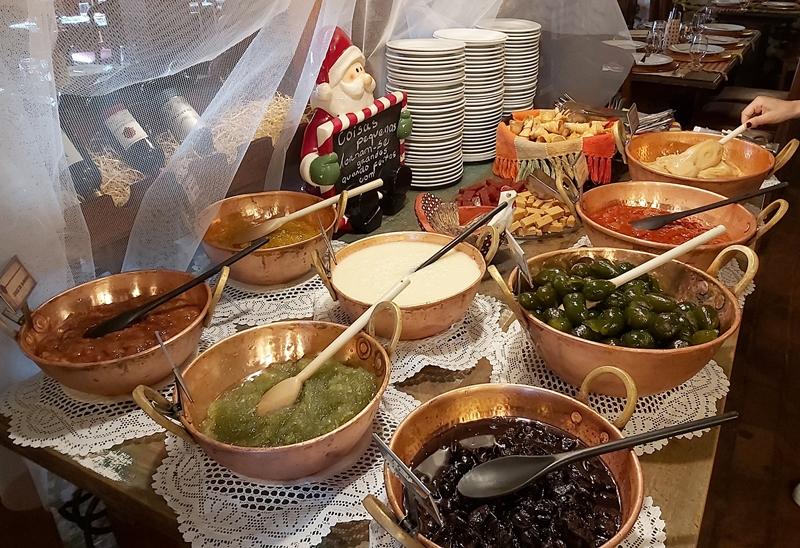 Restaurante Contos de Reis, a tradicional comida mineira em Ouro Preto