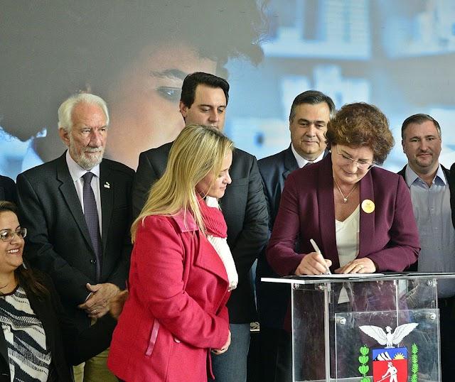 Prefeita Beti Pavin consegue mais de 900 mil para consorcio de saúde que atende a RMC