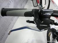 B 26 Inch Forward Fausto 1.0 24 Speed Shimano Alivio HardTail Mountain Bike