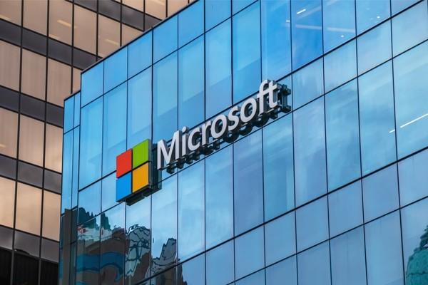 مايكروسوفت تسرب بيانات ملايين المتعاملين عن طريق الخطأ