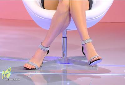 Antonella Fiordelisi scarpe tacchi alti scherzi a parte 19 settembre