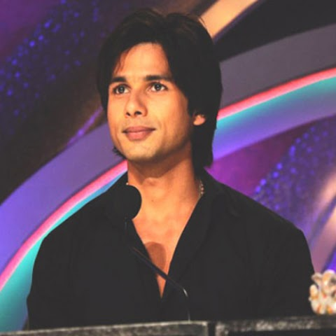 Shahid Kapoor Height, Weight, Age, Girlfriends, Biography, Movies List, Controversies and More!!