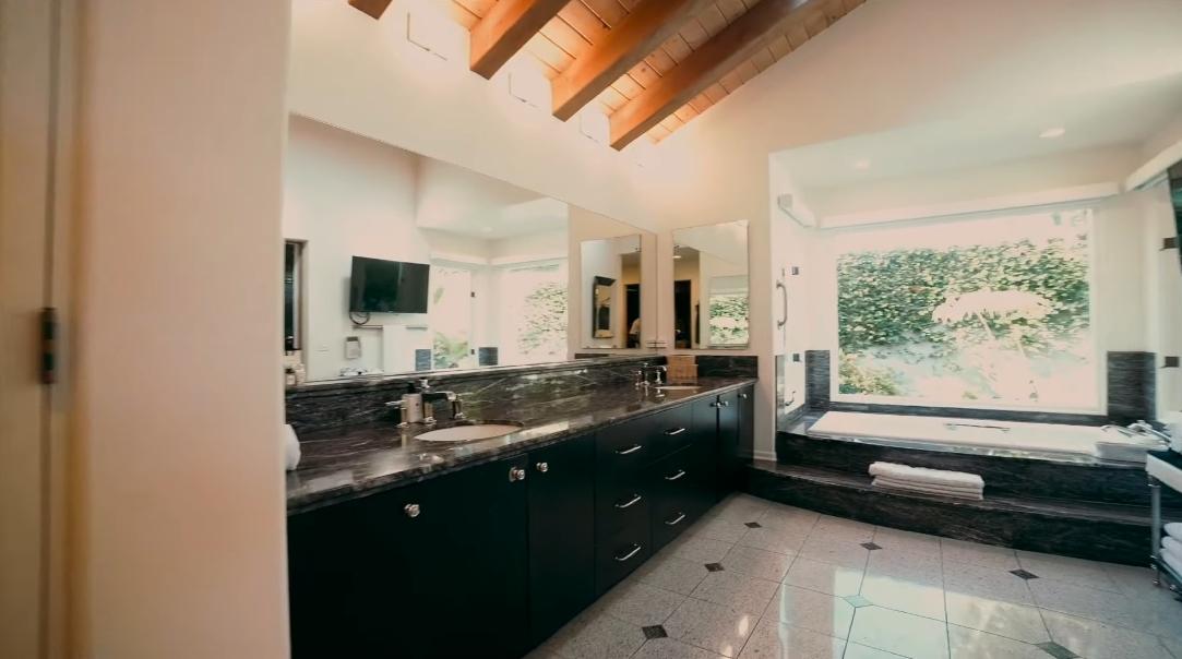 28 Interior Design Photos vs. 9581 La Jolla Farms Rd, La Jolla, CA Luxury Home Tour