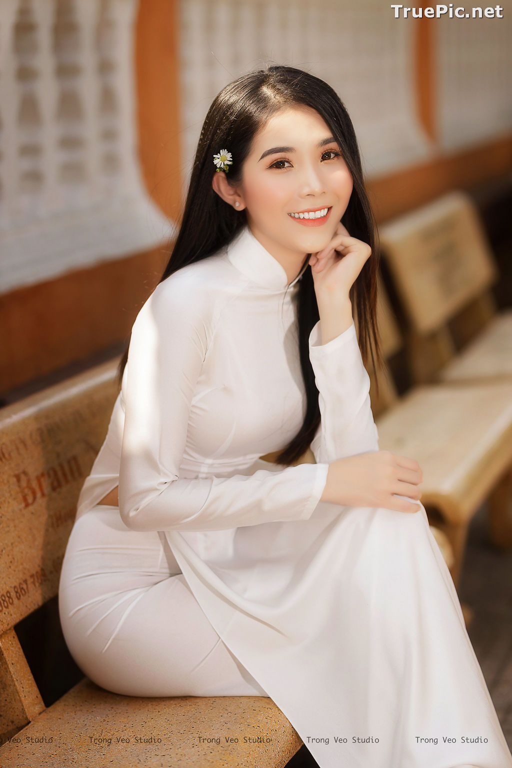 Image The Beauty of Vietnamese Girls with Traditional Dress (Ao Dai) #2 - TruePic.net - Picture-4