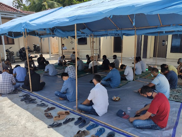 Disaksikan Anggota DPRD Tanggamus, Polsek Cukuh Balak Fasilitasi Taubat 21 Warga Pemakai Narkoba