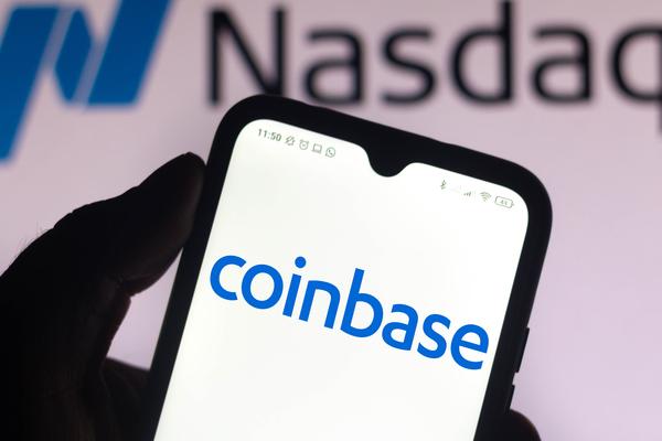 منصة Coinbase تسمح أخيرا بشراء العملات الرقمية عبر حساب باي بال
