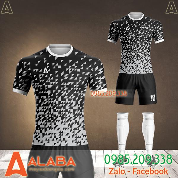 áo không logo màu đen 2021