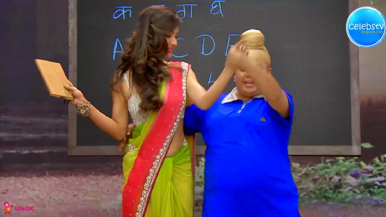 Pooja Bose Very Hot Sexy Bouncing Boobs, Navel Show -3479