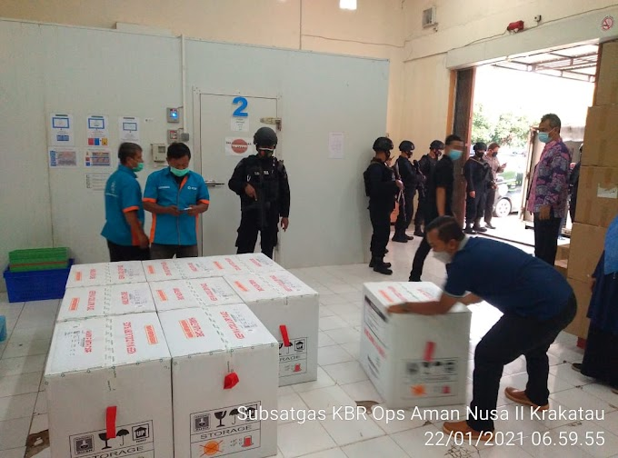 Tiba di Pelabuhan Bakauheni, Gegana Lampung Amankan Pendistribusian Vaksin Covid -19