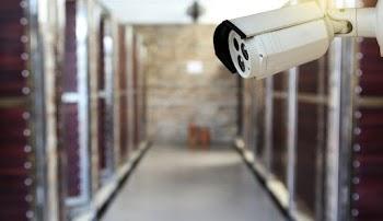 21e7d44be3ec Πώς προδόθηκε ο καθηγητής που βιντεοσκοπούσε τις μαθήτριες στις τουαλέτες