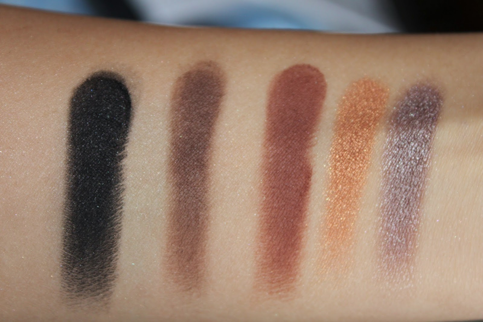Makeup Geek Foiled + Regular Eyehadows ~ Review
