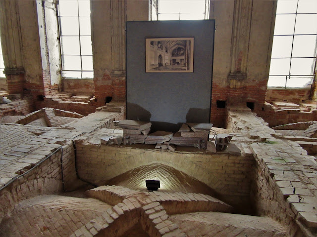 Pałac Marianny Orańskiej w Kamieńcu Ząbkowickim - pozostałości sali jadalnej