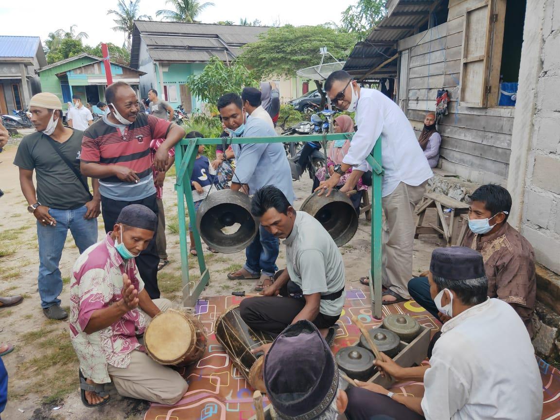 Masyarakat Desa Sepempang Antusias Menyambut Pasangan WS-RH