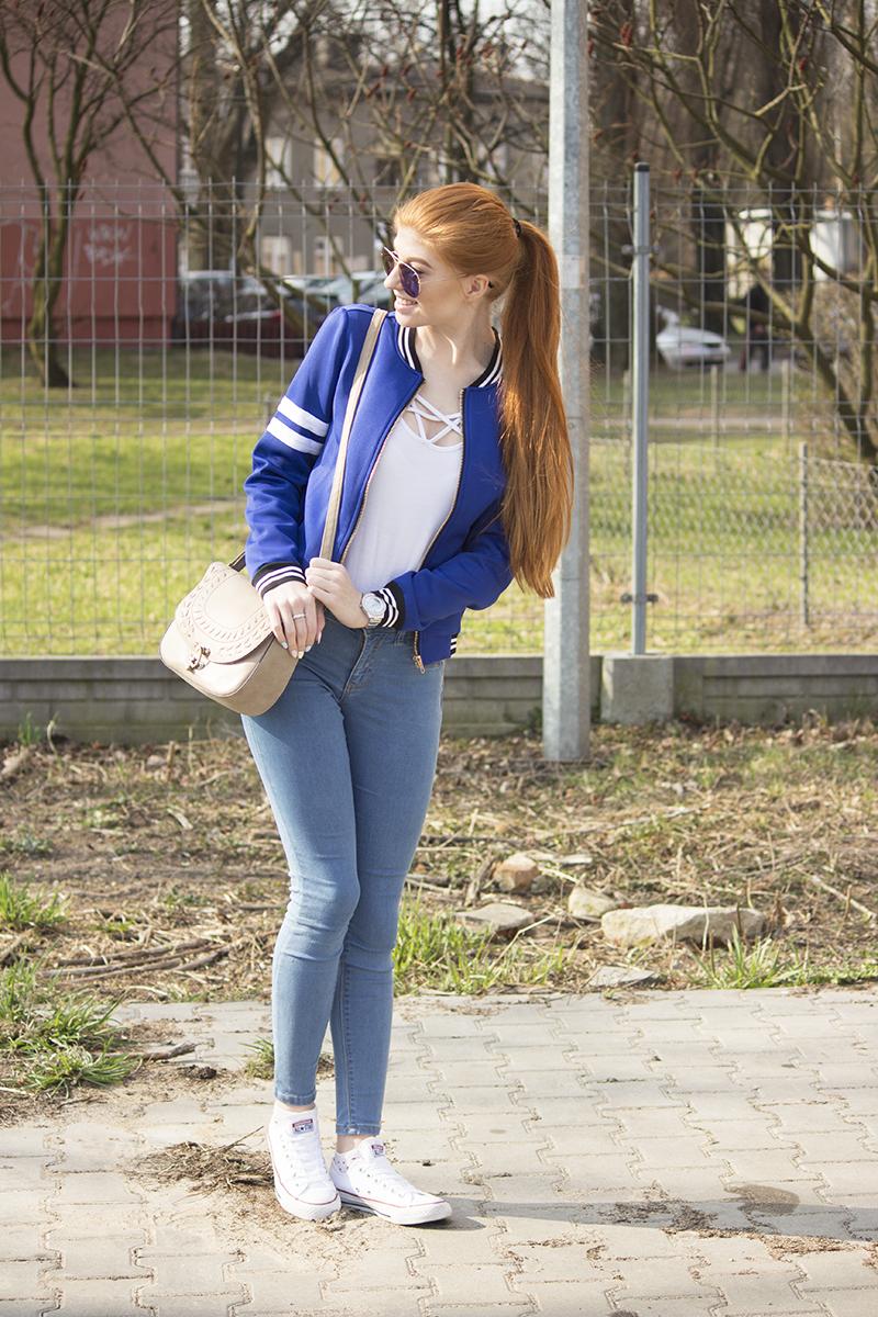 Kobaltowa bluza | Codzienny zestaw