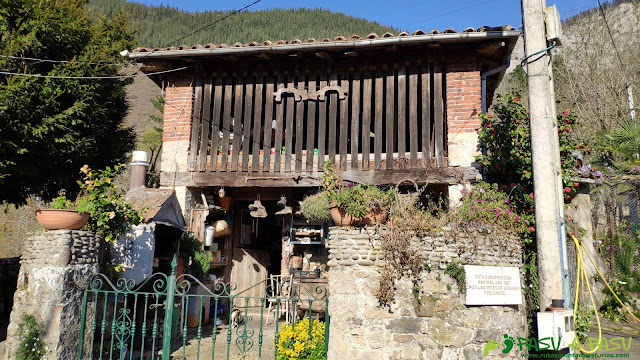 Antiguo juzgado y calabozos en Tornín, Cangas de Onís
