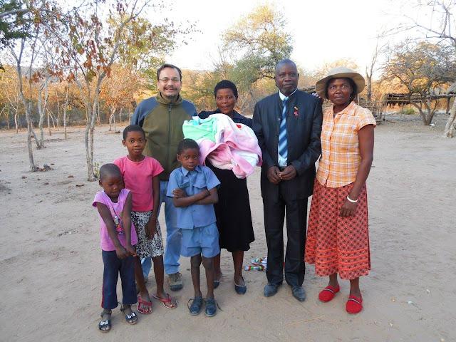 Con familia amiga en Zimbabue