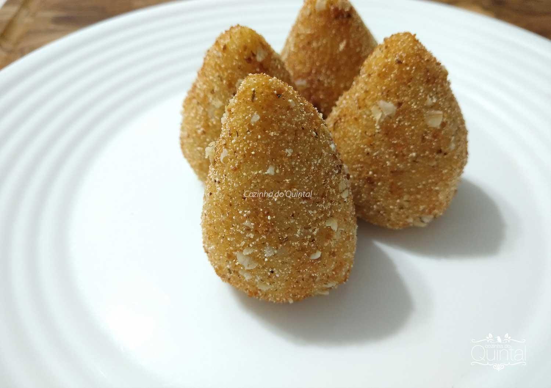 Faça e Venda Coxinha Profissional - a melhor receita! Na Cozinha do Quintal, o blog do empreendedor de alimentação.