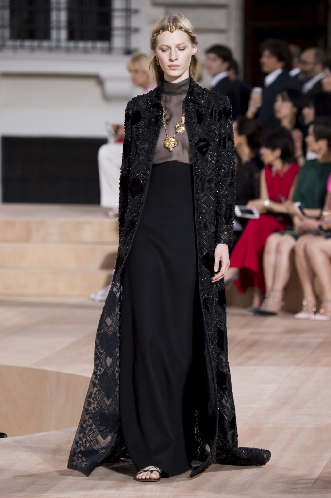 Fashion Runway   Valentino Couture Fall 2015 Black Evening Dresses ...