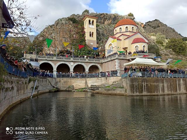 Πλήθος κόσμο στο Κεφαλάρι Άργους για τον Αγιασμό των υδάτων