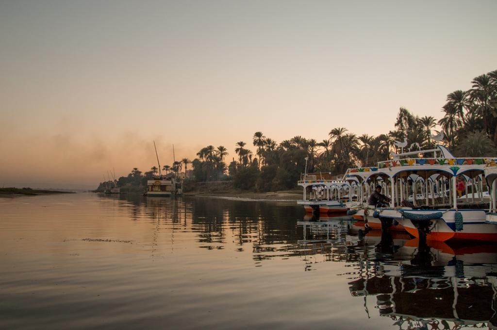 Нил на закате лодки фото