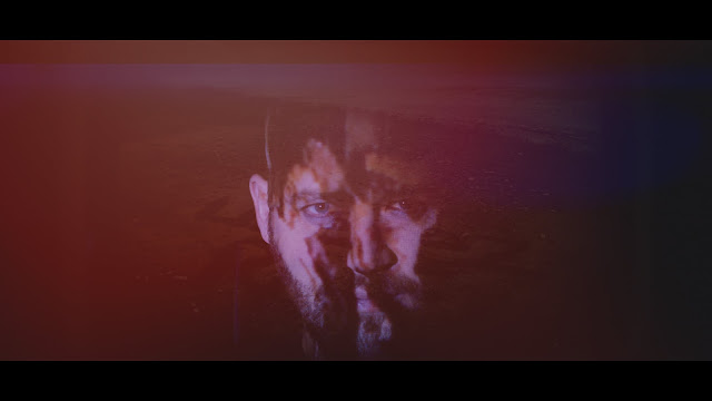 Image extraite du clip pour le chanson #JeSuisRaif de Johan Gass pour Ensaf