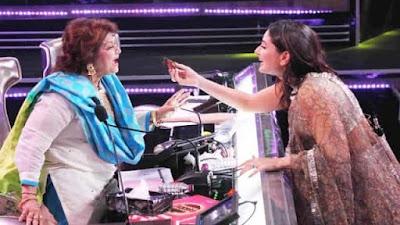 Kareena Kapoor celebrates her birthday on the sets of Dance India Dance