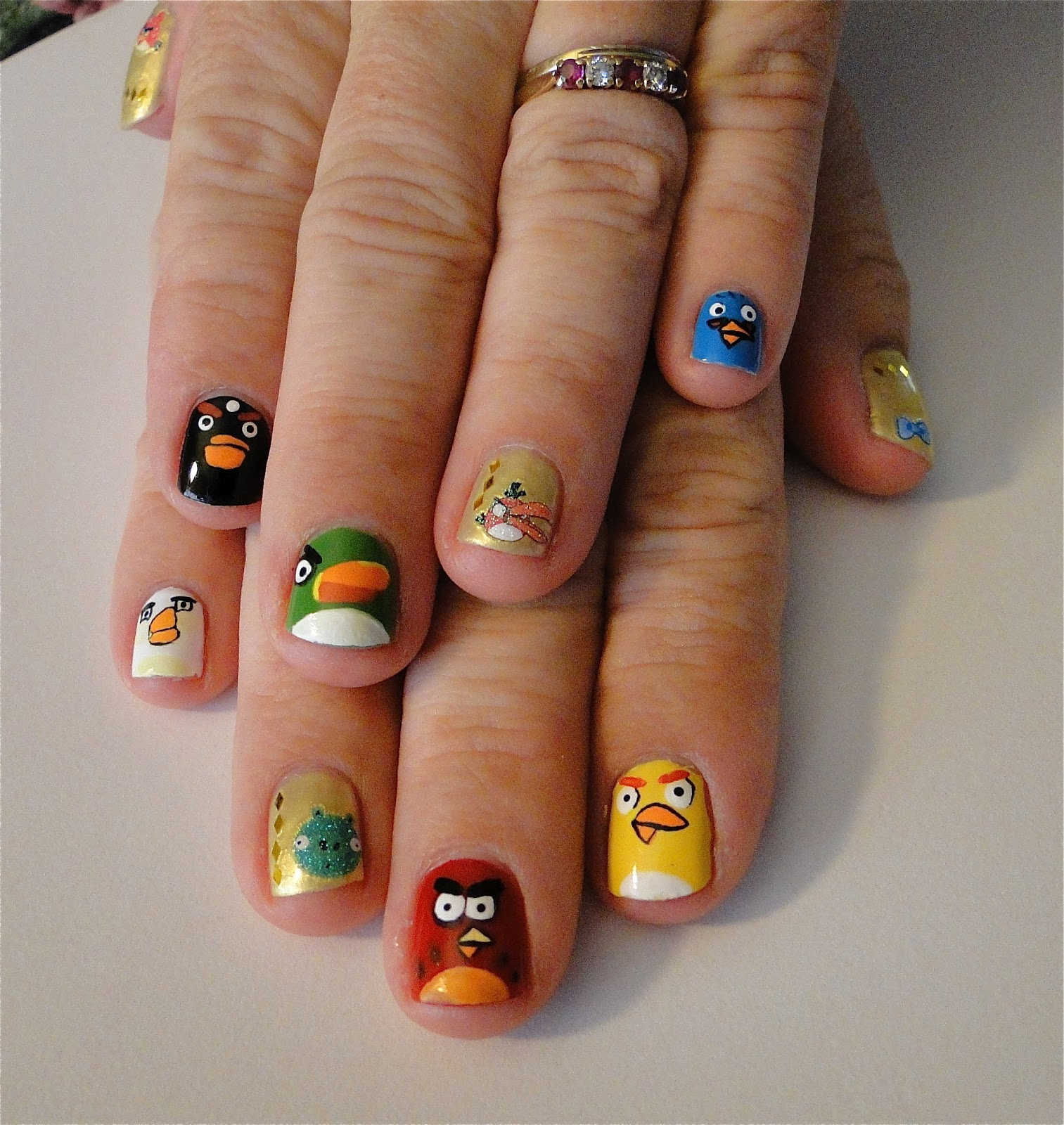 WeeklyWackyNails: Angry Birds Nail Art Featuring Kkcenterhk