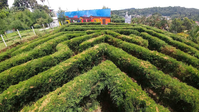 Labyrinth at Buenos Aires Restaurant in Ataco