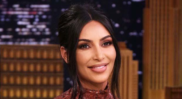 Kebanjiran Kritik, Kim Kardashian Segera Ganti Merk Dagang Kimono