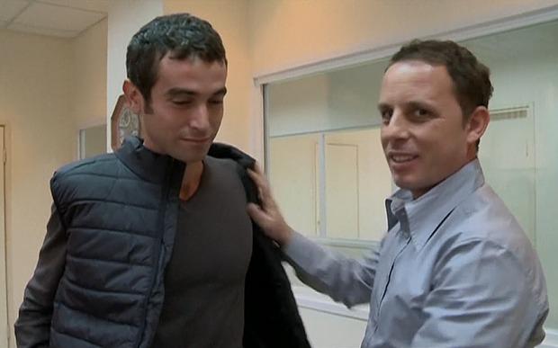 Buktikan Rompi Kebal Bacok Reporter Asal Israel Ini Tertusuk Pisau, Apakah Rompinya Tidak bekerja? Ini Penjelasannya