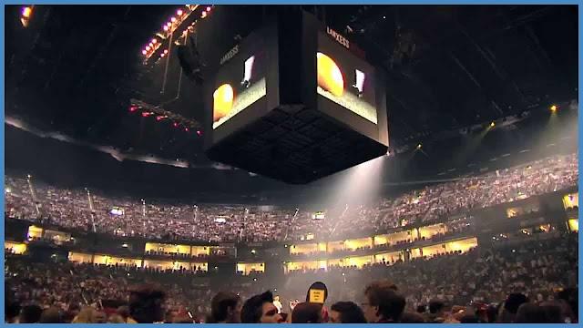 LANXESS arena Videowürfel from Lanxess arena innen,