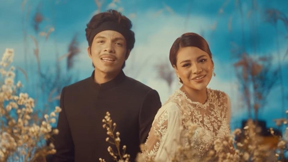 Lirik Lagu Hari Bahagia - Atta Halilintar & Aurel Hermansyah