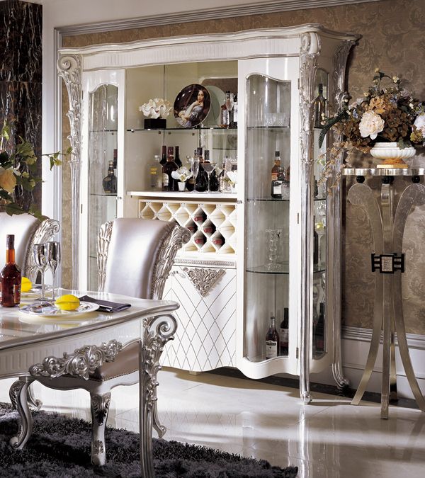 pics of dining room furniture | interior design: Luxury Italian Style Dining Room Sets