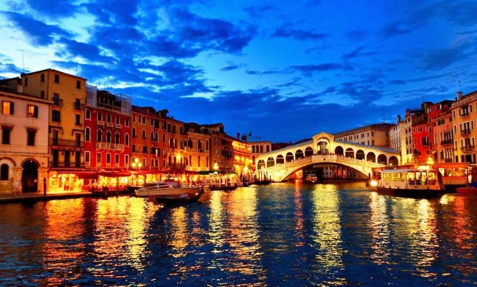Ponte di Rialto em Veneza - Itália