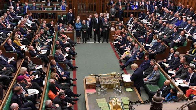 """Diputados británicos llaman a rechazar """"acuerdo del siglo"""""""