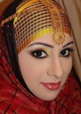 Bantu Sebarkan!!!  Inilah 6 Dandanan Haram Untuk Wanita, Wanita Wajib Baca..