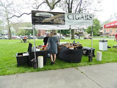 Cigar vendor