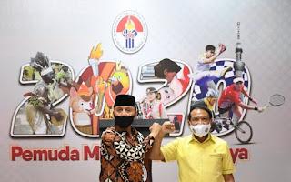 Menpora Zainudin Amali (kanan) dan Ketua Umum PSSI Mochamad Iriawan