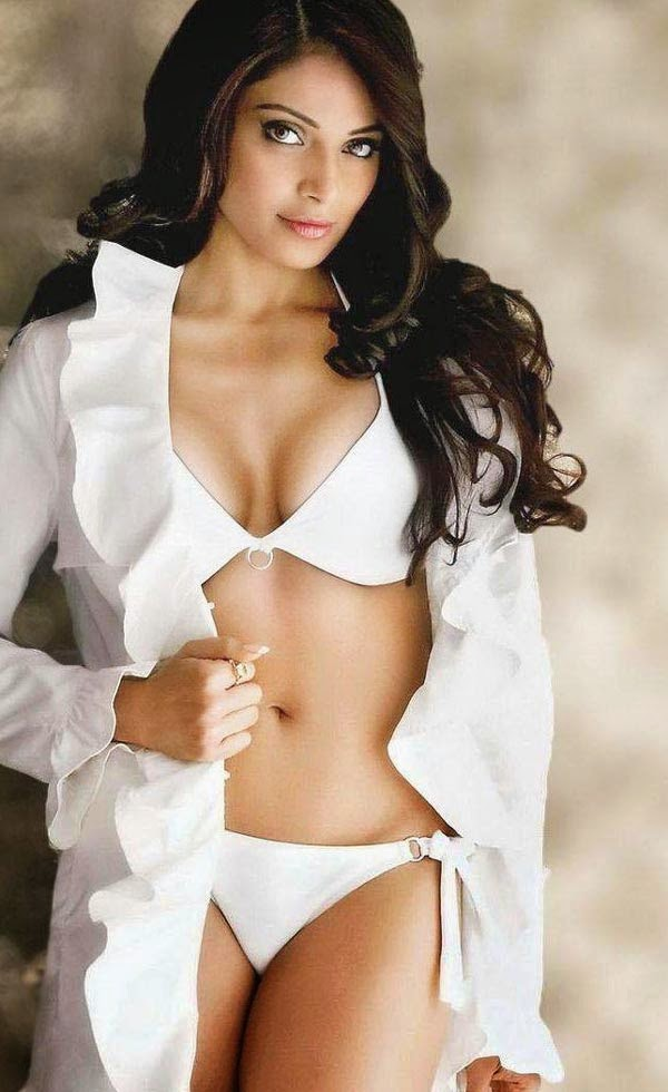 Bollywood Overexposed! - Sexiest Photos of Indian Actress