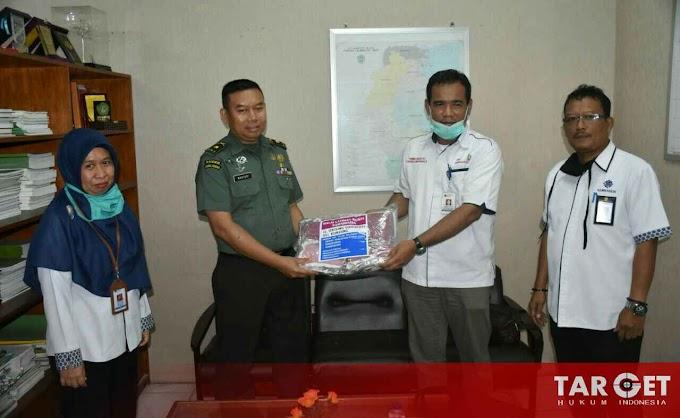 Kemnaker Samarinda Sambangi KOREM 091/ASN Beri Bantuan Masker
