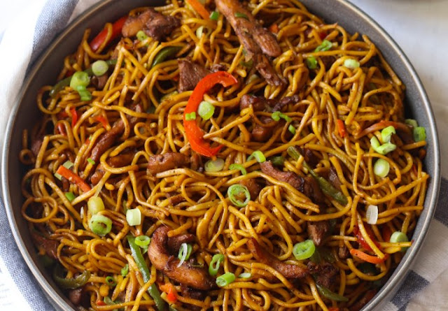 Restaurant-Style Chicken Lo Mein #chinese #dinner
