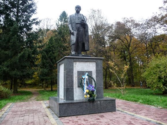 Стрий. Пам'ятник Т. Г. Шевченку
