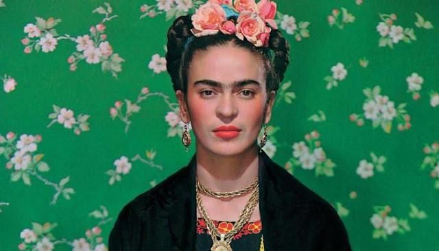 فريدا كاهلو : أشهر رسامة بالقرن العشرين
